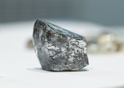 A 285 carat diamond, the largest recovered to date at Gahcho Kué, sold at the Company's recent September sale (CNW Group/Mountain Province Diamonds Inc.)